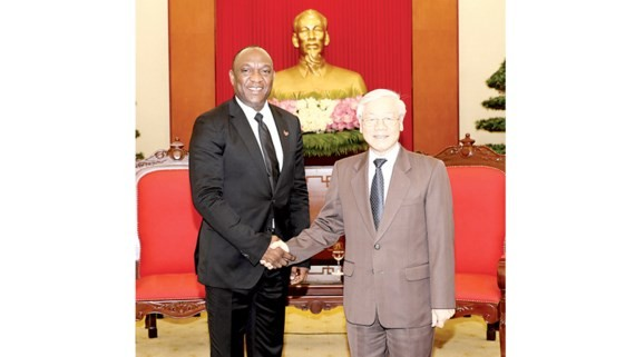 Secretary General of the Communist Party of Vietnam Nguyen Phu Trong welcomed President of the Senate of Haiti Youri Latortue
