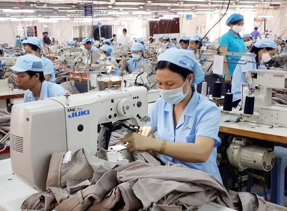 Vietnam economic growth is expected to reach by 6.3 percent in 2017 (Photo:SGGP)