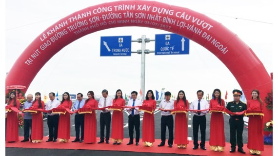 The inauguration ceremony of Tan Son Nhat airport flyover  (Photo: Sggp)