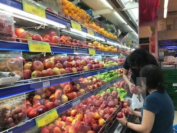 Vietnamese consumers choose products with clear origin. The application of Global Standard One (GS1) number and bar coding is significant to getting to grips with food traceability and safety. (Photo: VNA)