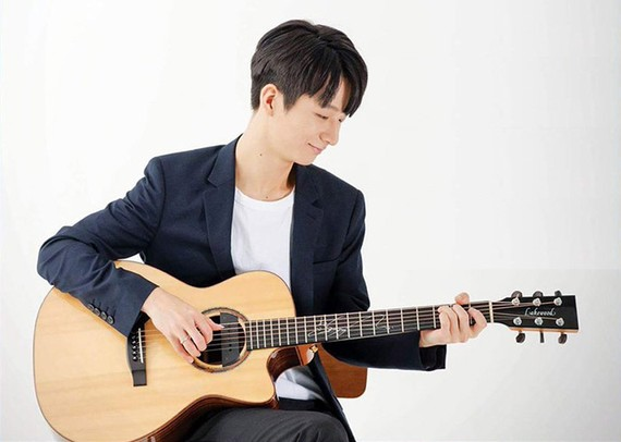 Korean guitarist Sungha Jung performs in Vietnam