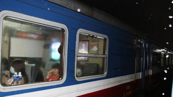 Storm brings trains to a halt at central provinces' stations