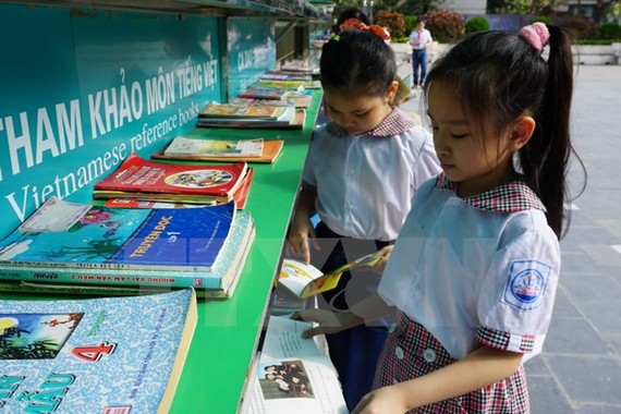 A program to give 10,000 good books to 100 primary schools in Ho Chi Minh City (Photo:  VNA)