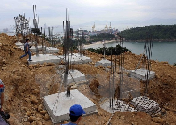 An unlicensed construction site in Son Tra Peninsula (Photo: VNA)