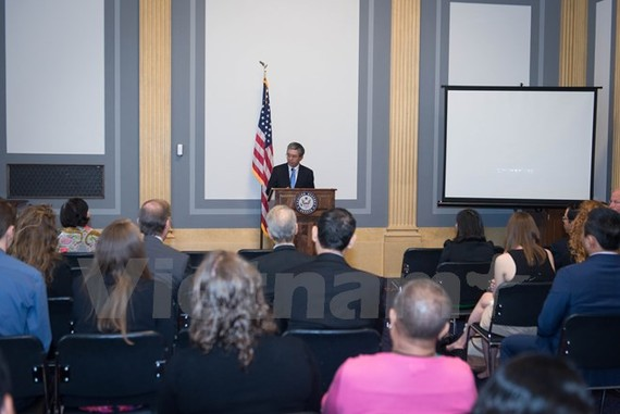 "Ambassador Pham Quang Vinh at the film screening event. ""Chau, beyond the lines"", a 35-minute documentary about Vietnamese AO victim was on screen at the US Senate headquarters on June 28. (Photo: VNA)"