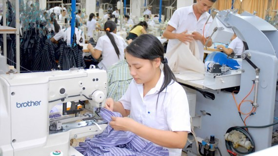 The garment and textile sector predicted to face difficulties in months at the end of the year because of declined demand and competitive price pressure.(PHoto: SGGP)