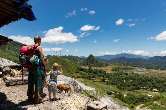 International tourists are interest in natural landscape of Vietnam (Photo: SGGP)