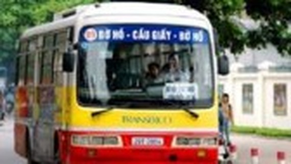 Locals in Hanoi's districts can travel by bus