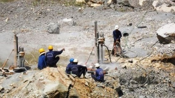 Mining industry indicator continues to dip