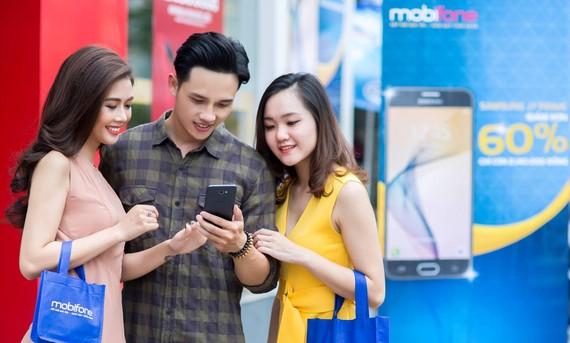 Bán điện thoại kèm gói cước đang là lợi thế của nhà mạng