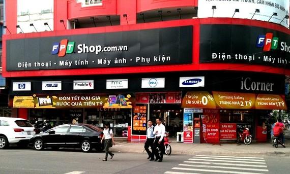 FPT Shop là cái tên thân quen, liệu có thay đổi sau chuyển nhượng này?