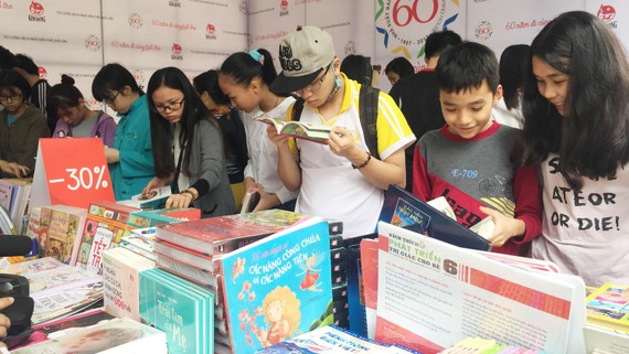 Triển lãm - Hội chợ Sách Quốc tế VN: Hơn 40.000 đầu sách được bày bán
