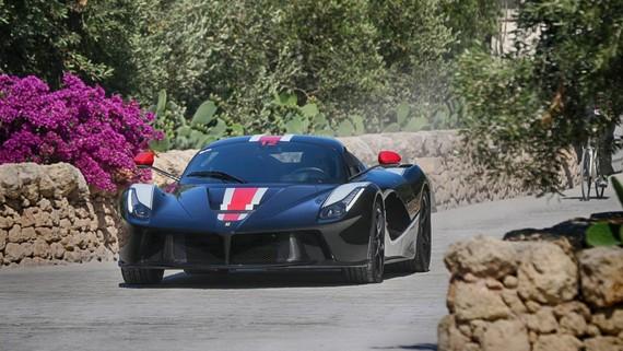 Hội ngộ hơn 100 chiếc Ferrari tại Italy