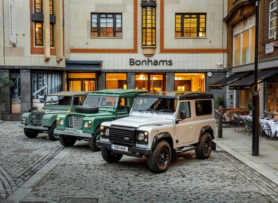 Land Rover Defender trở lại