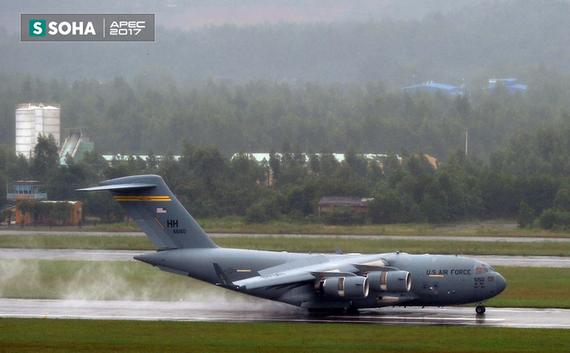 Siêu vận tải cơ Boeing C-17 Globemaster III đến Đà Nẵng