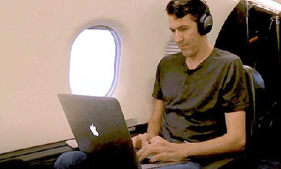Sử dụng máy bay để đi làm