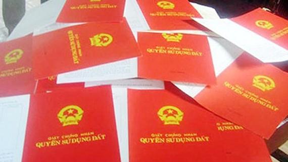 Lùi thời hạn áp dụng ghi tên tất cả thành viên gia đình vào sổ đỏ