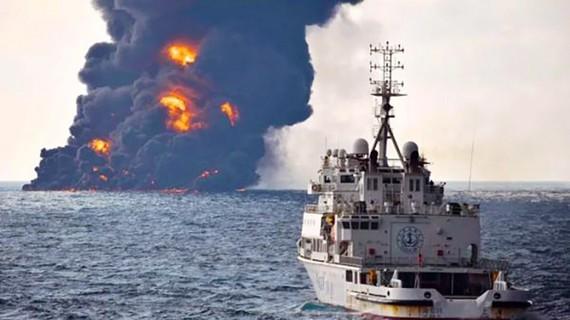 Tàu dầu Iran nổ và chìm sau hơn một tuần cháy trên biển Hoa Đông