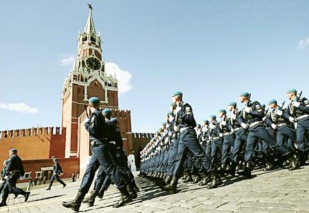 Buổi tổng duyệt duyệt binh tại lễ kỷ niệm 72 năm chiến thắng phát xít tại Quảng trường Đỏ, Mátxcơva, Nga