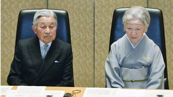 Nhà vua Nhật Bản Akihito và Hoàng hậu Michiko vào tháng 12-2016. Ảnh: KYODO