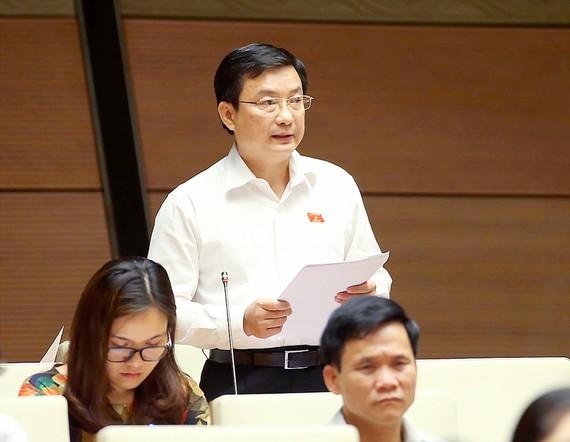 Đại biểu Quốc hội Phạm Trọng Nhân (tỉnh Bình Dương)  phát biểu ý kiến
