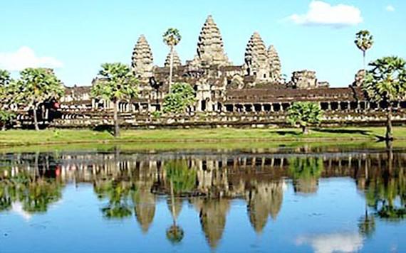 Tìm thấy một pho tượng cổ hơn 700 năm tại Angkor