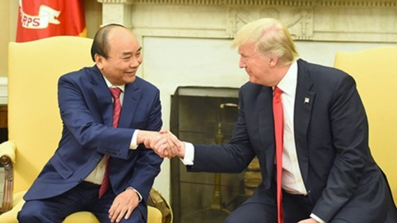 Vietnamese Prime Minister Nguyen Xuan Phuc (left) and US President Donald Trump.