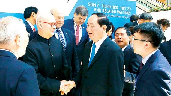 Chủ tịch nước Trần Đại Quang gặp gỡ đại biểu đại diện các nền kinh tế APEC tham dự đối thoại