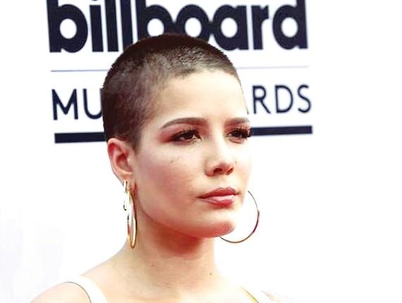 Album của ca sĩ Halsey đứng đầu Billboard  tốp 200
