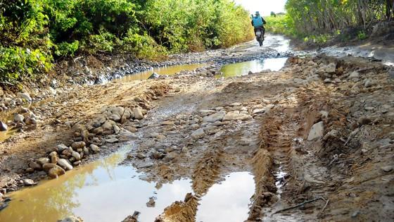 Đầu tư 4,9 tỷ đồng sửa đường ở xã Ya Xier