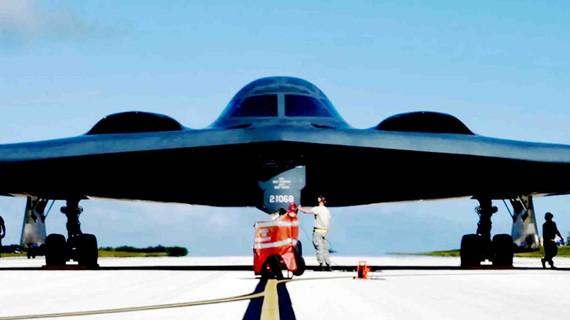 Máy bay tàng hình B-2 Spirit của Mỹ vừa triển khai đến đảo Guam