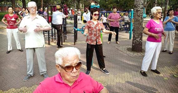 Châu Á lo già trước khi giàu