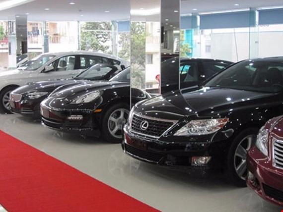 Ô tô nội khó cạnh tranh vì giá xe cao gấp đôi khu vực