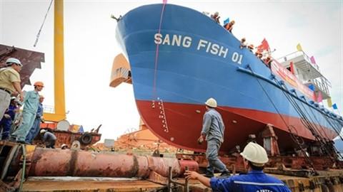 Kiểm tra chất lượng máy tàu vỏ thép