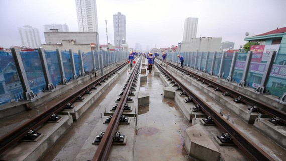 Đường ray tuyến đường sắt đô thị Cát Linh - Hà Đông - Ảnh: Nam Trần