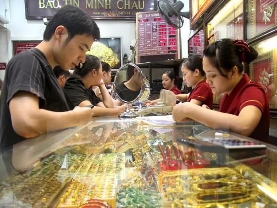 Vàng Rồng Thăng Long vượt mốc 35 triệu đồng/lượng