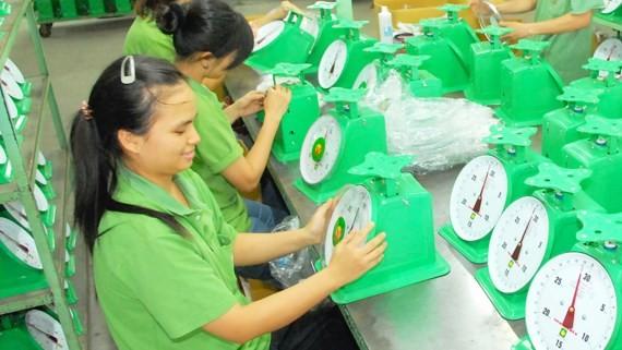 Sản xuất tại Công ty Nhơn Hòa Ảnh: CAO THĂNG