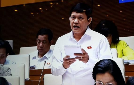 ĐB Phạm Phú Quốc (TPHCM) phát biểu tại phiên thảo luận về xử lý nợ xấu