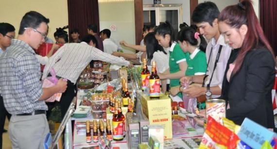 Doanh nghiệp giới thiệu sản phẩm ra thị trường