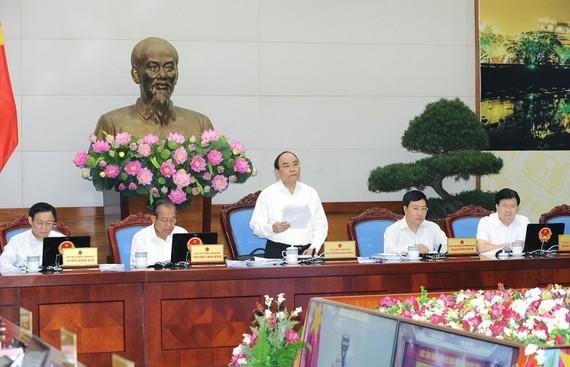 Thủ tướng Nguyễn Xuân Phúc chủ trì phiên họp Chính phủ thường kỳ tháng 6/2017.