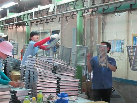 PMI Việt Nam cải thiện mạnh mẽ trong tháng 6