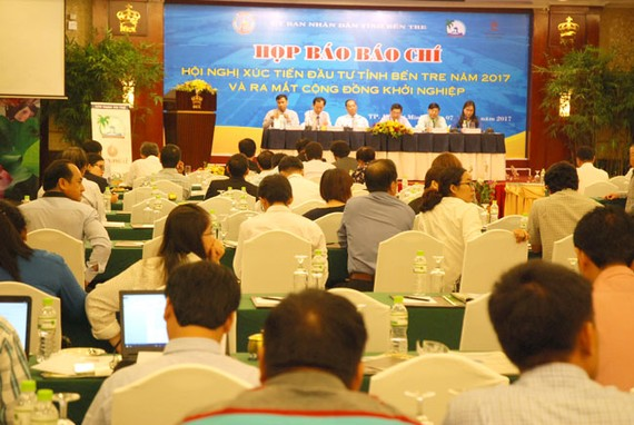 Lãnh đạo UBND tỉnh Bến Tre cung cấp thông tin về Hội nghị xúc tiến đầu tư tỉnh Bến Tre năm 2017