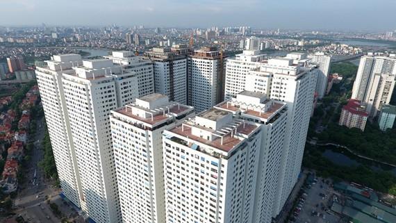 Tổ hợp 12 tòa chung cư HH cao từ 36 - 41 tầng ở khu đô thị Linh Đàm nổi tiếng với mật độ dân số cao, xây san sát