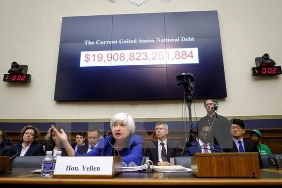 Chủ tịch Ngân hàng Dự trữ Liên bang Mỹ (Fed) Janet Yellen (giữa). (Nguồn: AFP/TTXVN)