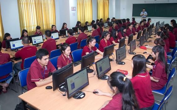 Một giờ học của sinh viên ĐH Nguyễn Tất Thành