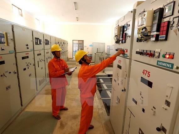 Triển khai nhiều dự án nguồn và lưới cấp điện cho miền Nam