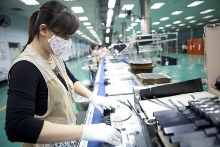 Sản xuất ti vi, sắt thép, vải dệt tăng cao