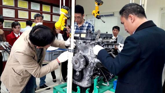 Tiếp cận kỹ thuật sản xuất ô tô hiện đại