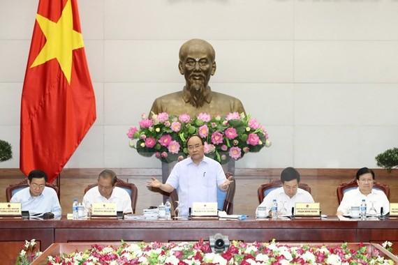 Thủ tướng Nguyễn Xuân Phúc chủ trì Phiên họp Thường trực Chính phủ bàn về các giải pháp thúc đẩy tăng trưởng năm 2017.