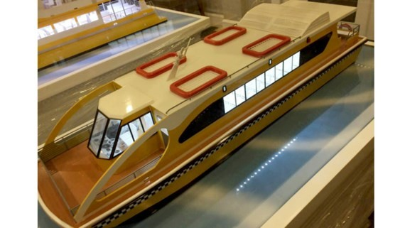 Mô hình tàu buýt trên sông